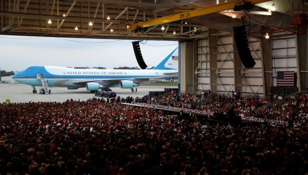 Campagnerally van Trump, afgelopen zaterdag in Florida (foto: Reuters)