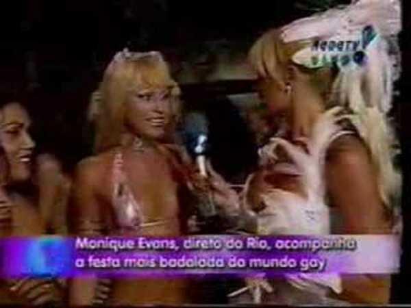 Travesti Andréia no Gala Gay