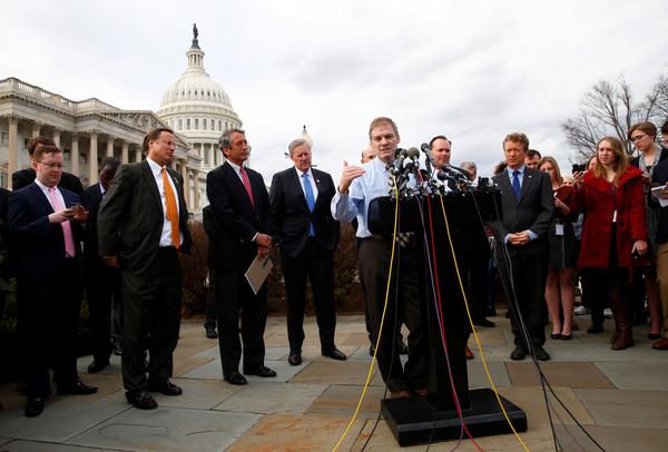 Republikeinse Congresleden van de Freedom Caucus presenteerden gisteren in Washington een tegenplan (foto: Reuters)