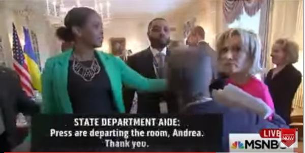 MSNBC-verslaggever Andrea Mitchell mag geen vragen stellen aan Tillerson