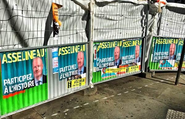 Verkiezingsaffiches in een Parijse straat