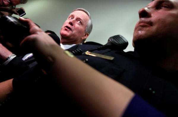 Mark Meadows, de voorzitter van de Freedom Caucus, kreeg van veel van zijn partijgenoten de volle laag voor het falen van de Republikeinse zorgwet (foto: Reuters)