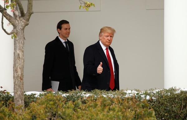 Jared Kushner en zijn schoonvader Donald Trump (foto: Reuters)