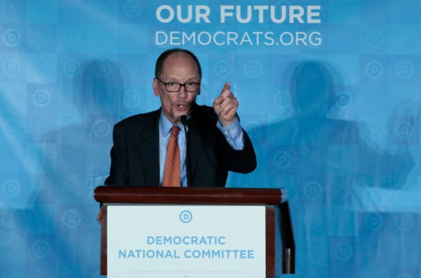 Tom Perez, partijvoorzitter van de Democraten, heeft alle medewerkers van het partijbestuur gevraagd af te treden (foto: Reuters)