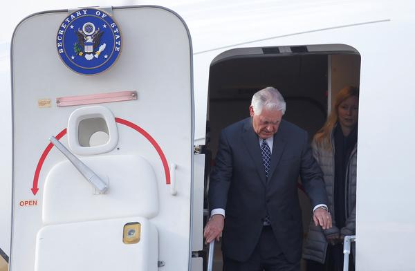 De Amerikaanse minister van Buitenlandse Zaken Tillerson arriveert in Moskou (foto: Reuters)