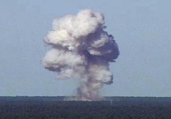 Een proef met de MOAB in Arizona in 2003 (foto: US Airforce)