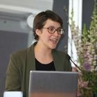 Dit is hoe NRC-columnist Rosanne Hertzberger  haar vlijmscherpe columns schrijft