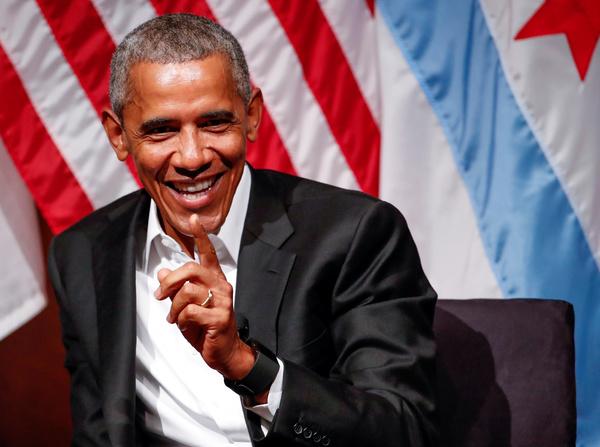 Obama hield zijn eerste toespraak sinds de inauguratie van Trump op de Universiteit van Chicago (foto: Reuters)