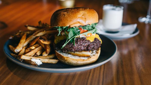 LA's Ludicrous New $150 Burger Includes Foie Gras, Truffles, and Shaved A5 Wagyu Beef | Eater LA
