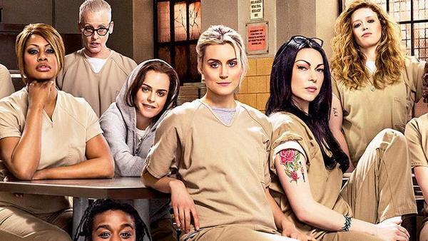 Hacker gijzelt nieuwe seizoen Netflix-hitserie Orange Is The New Black en eist losgeld - de Volkskrant