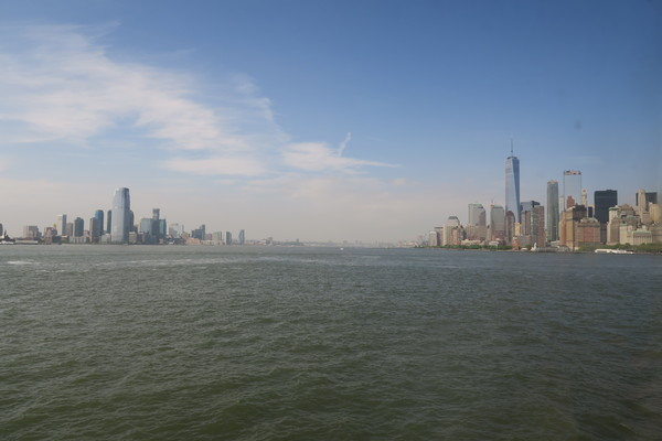 Skyline of Manhattan & New Jersey as seen from the Staten Island Ferry