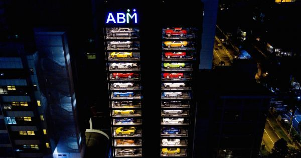 It's Official. You Can Now Buy Luxury Cars Through a Vending Machine.