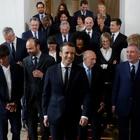 Après un Hollande trop bavard, un Macron mutique inquiète les médias