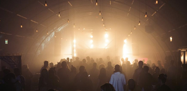 A glimpse of 22fest. More pics over at Thump NL.