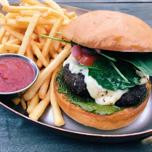 """""""The Otium Burger"""" by Otium (@otiumla)"""