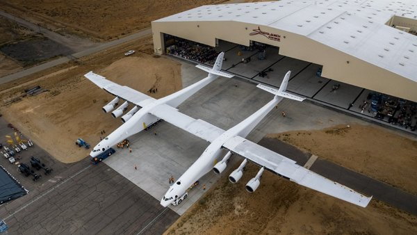 Enormous Stratolaunch Carrier Aircraft Rolls Out of Hangar for First Time