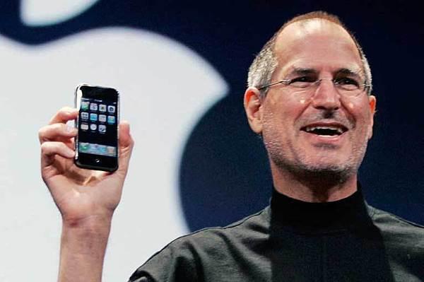 Uvedení prvního iPhone v roce 2007