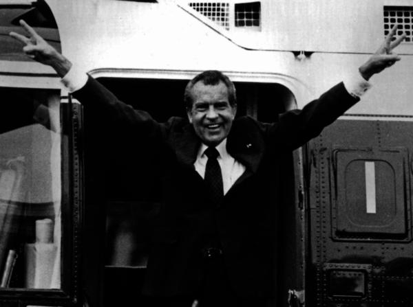 Het Congres had de eerste stappen richting impeachment gezet tegen Richard Nixon. Maar het kwam nooit tot een afzettingsprocedure, omdat Nixon besloot zelf af te treden.