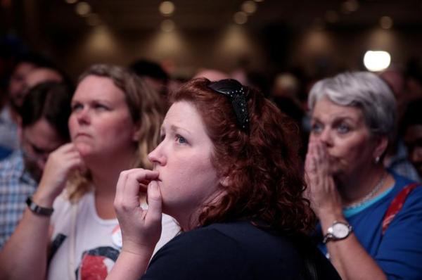 Teleurgestelde aanhangers van de Democratische kandidaat Jon Ossoff (foto: Reuters)