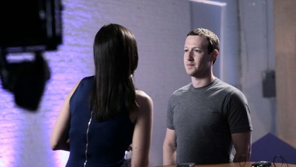 Mark Zuckerberg vertelt in een interview met CNN Tech waarom hij de missie van Facebook veranderd heeft.