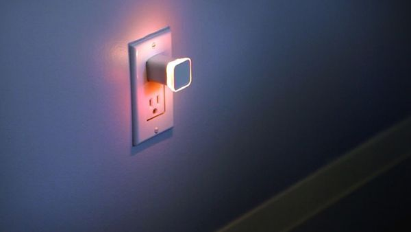 Now your nightlight can notify you of retweets and emails - The Verge