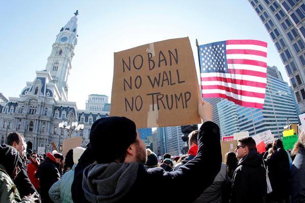 In januari brak in verschillende Amerikaanse steden protest uit tegen Trumps inreisverbod (foto: Reuters)
