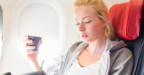How to Conquer a Red Eye Flight - How to Beat Jet Lag | Fitness Magazine