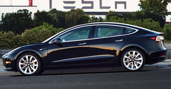I Drove a Tesla Model 3. Here's What You Need to Know.
