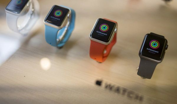 Apple Plans to Release a Cellular-Capable Watch to Break iPhone Ties