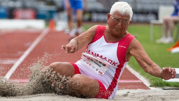 Photographer 'in awe' of older athletes -- click photo to see the BBC collection