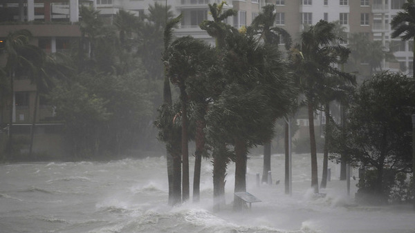 The-US-has-been-hit-by-two-giant-hurricanes-Heres-the-financial-
