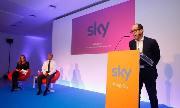 Sky se presenta en España con una oferta de tele de pago a 10 euros al mes