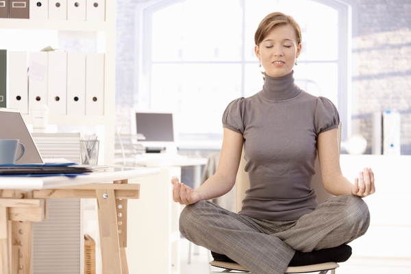 How You Can Become More Aware at Work Through Yoga | Keck Medicine of USC