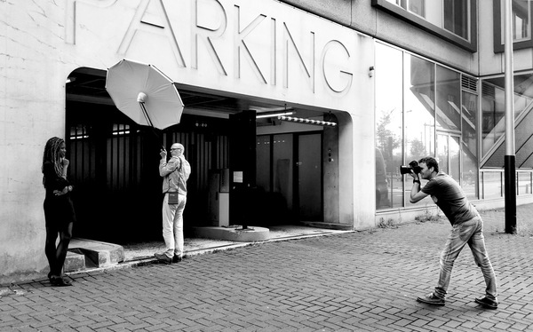 Een recente portretshoot in hartje Amsterdam met assistentie van collega Mark