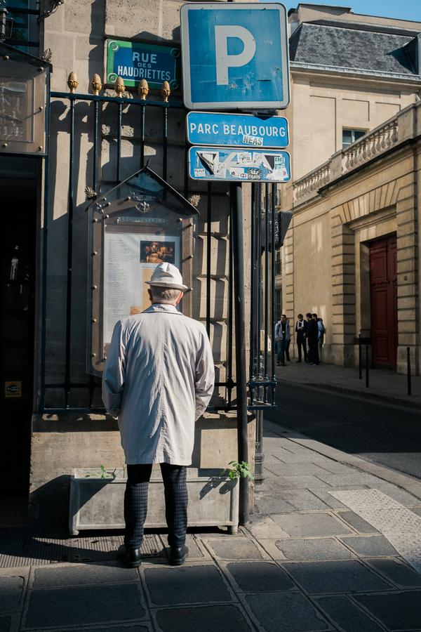 Struinde ik weer door Parijs, op zoek naar mooie stillevens