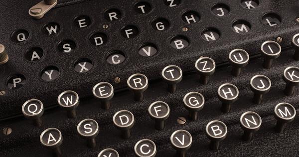 Cryptii's Enigma Machine decoder