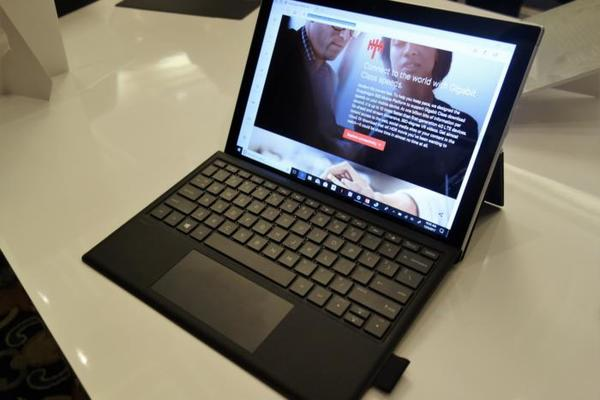 Hands-on: HP's Envy x2 is a Surface clone boasting 20 hours of battery life