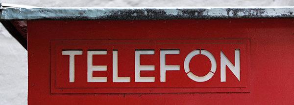 The original die cut lettering on Norway's phone booth (1933)