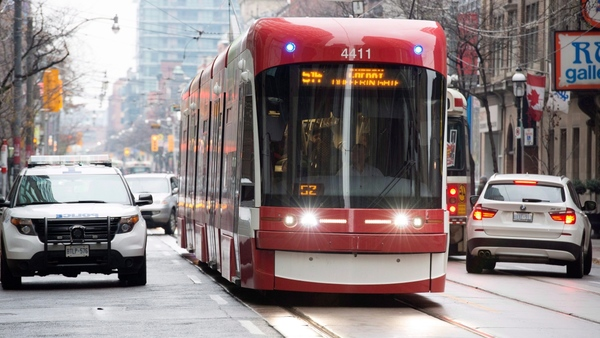 King Street pilot project data shows faster streetcars, minimal traffic slowdowns