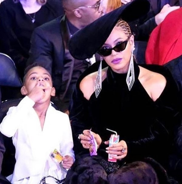 Beyonce with a juice box.