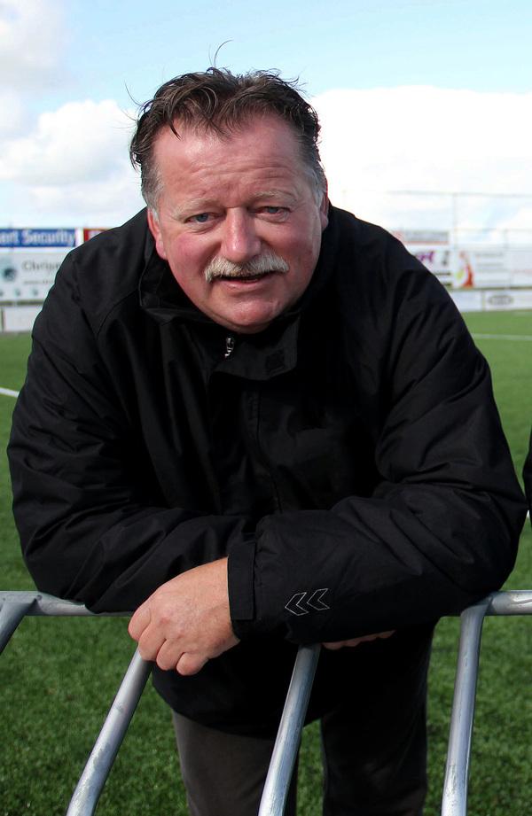 Cees van Bavel keert terug op het trainingsveld. De Woerkumer is aangesteld als interim-trainer van SVW, de club waarbij hij van 1967-1982 ook speelde. Klik op de foto om het artikel te lezen.