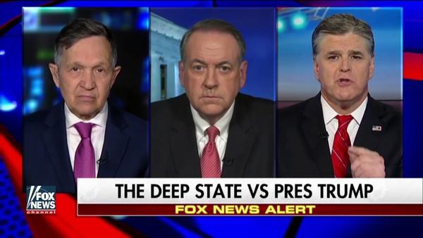 Trumpgezinde media als Fox News waarschuwen al maanden voor een coup tegen Trump. De FBI en overblijfselen van de regering-Obama zouden samenspannen om  de president ten val te brengen. Rechts in beeld is Sean Hannity. (foto: Reuters)