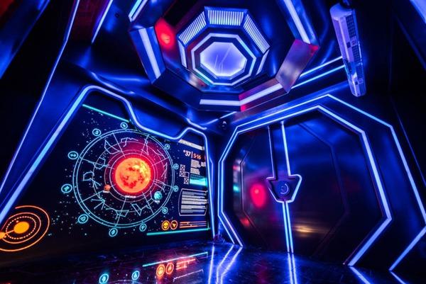 ⚡ SCIFI Nightclubs, The Falcon Heavy, 18 new science