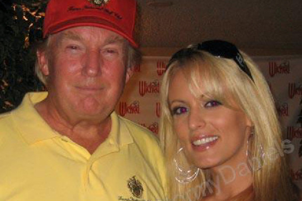 Trump en Stormy Daniels in 2006 (foto: Instagram/Stephanie Clifford)