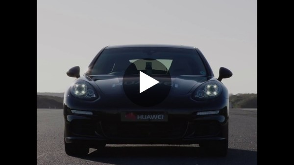 Huawei Mate 10 Pro bestuurt auto met behulp van AI
