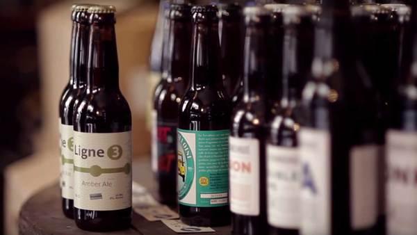 Lokaal bier is populair, maar Macron houdt het bij een wijntje
