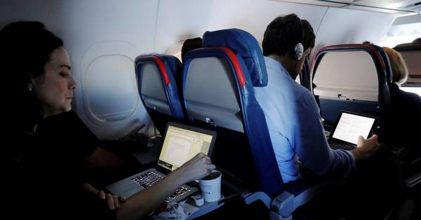 Firms Pursue Upgraded Internet Access on Airplanes
