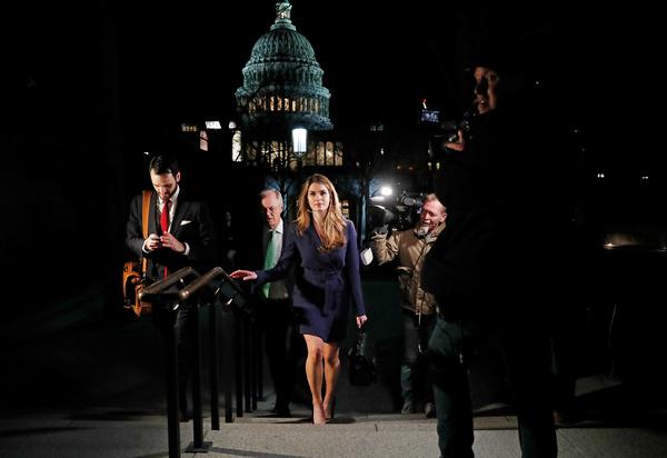 Hope Hicks na haar verhoor door een Congrescommissie (foto: Reuters)