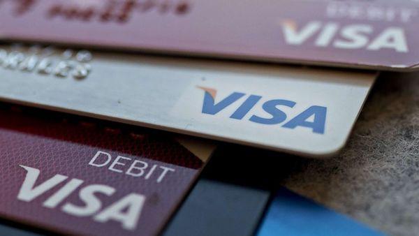 Diese Woche haben US-Amerikaner erstmals mehr als 1 Billion Dollar an Kreditkartenschulden angehäuft