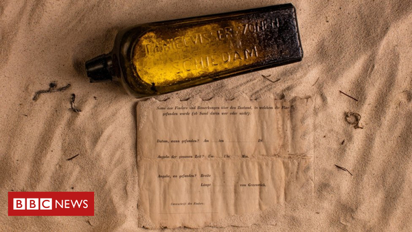 Oldest message in a bottle found on Western Australia beach - BBC News